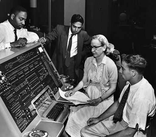 Grace Hopper, conceptrice du premier compilateur et du langage COBOL