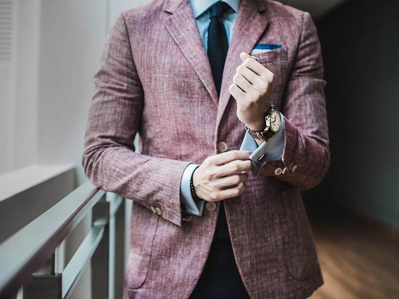 Dans le secteur bancaire, le style vestimentaire joue un rôle dans votre relation client